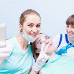 Zahnärztin Selfie